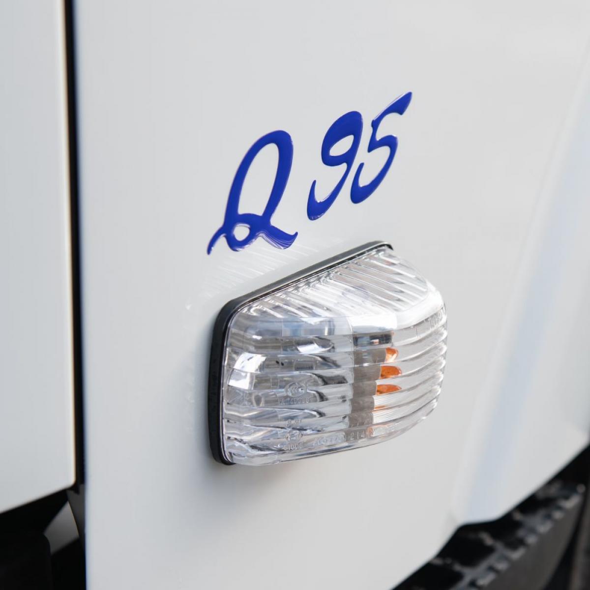Isuzu Q95